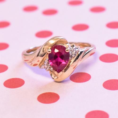 Yellow Gold Pink Gem Ring