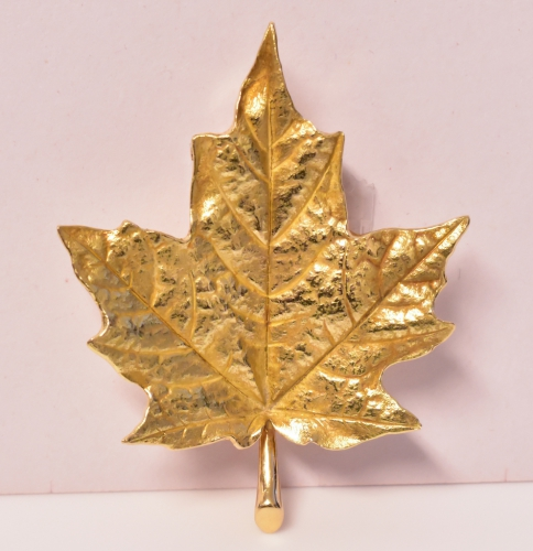Vintage Tiffany & Co Gold Maple Leaf Brooch
